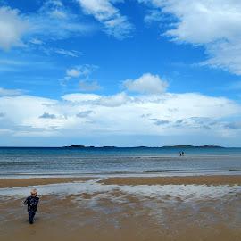 Fun by the sea by Ausra A. - Novices Only Landscapes ( child, irish sumer, sea, xoxo, seascape )