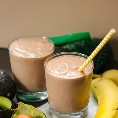 Banana, Avocado & Cocoa Smoothie