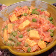 Tomato With Fresh Peas and Cheese Salad