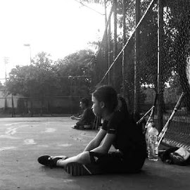 a minute break waiting for another game practice, be strong my child by Kurniadi Sugiarta - Sports & Fitness Tennis (  )