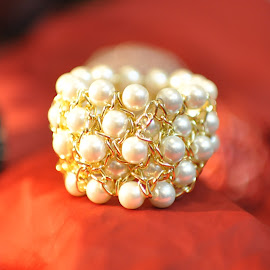 Pearls  by Aamna Kahloon - Artistic Objects Jewelry