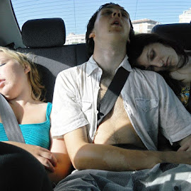 aaaaah, we tired out the children! by Helen Roberts - People Family (  )