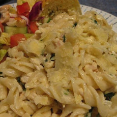 Mini Fusilli With Creamy Chicken and Spinach