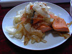 Salmón con cebolla シャケとタマネギ Salmon with onion