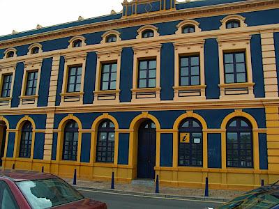 oficina de información turística 観光情報局 tourist information office Portugalete ポルトゥガレテ