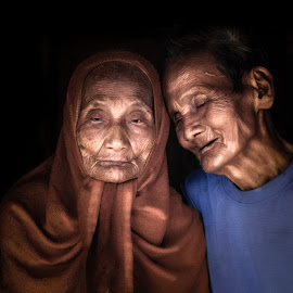 by Sơn Hải - People Couples ( love, old, family )