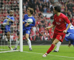 Luis Garcia scores the goal Mourinho hated