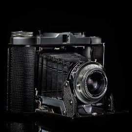 Old camera by Christian Proulx - Novices Only Objects & Still Life ( studio, old camera, light painting, vieille caméra )