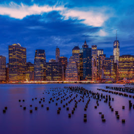 WHEN THE NIGHT FALLS by Jose Ravelo - Buildings & Architecture Other Exteriors ( architecture, nyc, olevar, brooklyn )