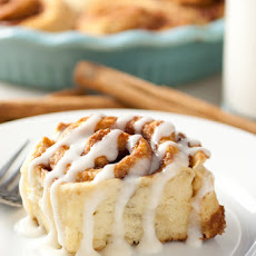 45 Minute Cinnamon Rolls {From Scratch}