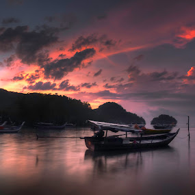 0645am fogging in the morning. by Ariff Ismail - Landscapes Sunsets & Sunrises