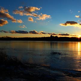 Last Glimpse by Justin Jewett - Landscapes Sunsets & Sunrises ( water, winter, frigid, sky, sunset, lake, frozen )