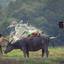 ......... by Heri Budianto - People Family