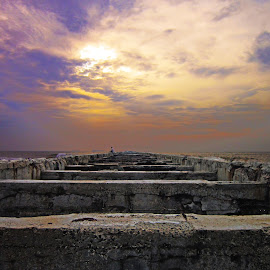 Dusk by Kannappan Nmr - Novices Only Landscapes ( shore, port, clouds, thalankuppam, ennore, beach, dusk, chennai )