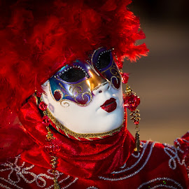 The red lady with the mask by Arti Fakts - News & Events World Events ( venezia, red, carnival, dress, venice, costume, mask, festival, venezzia, artifakts, disguised,  )