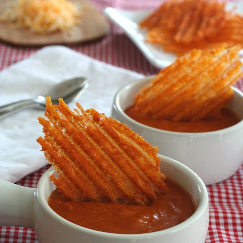 Spicy Cheddar Crisps – Low Carb and Gluten-Free