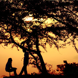 talk to the sunset by Arie Sulistiawan - People Couples
