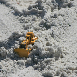 by Eric Rainbeau - Artistic Objects Toys ( sand, toy, bulldozer, metal, yellow )