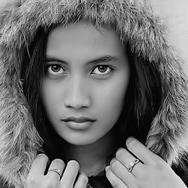 by Ayahnya Cakrabuwana - Black & White Portraits & People