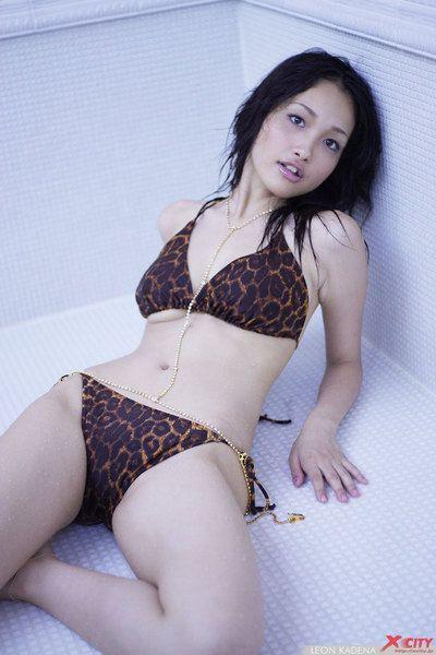 Kadena Reon sexy gallery