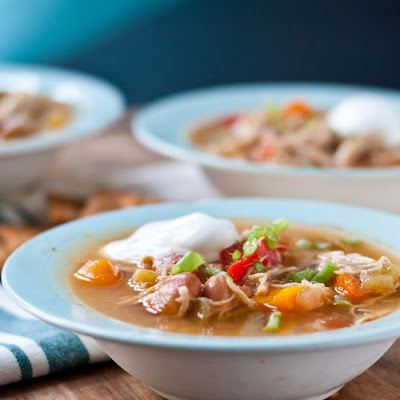 Slow Cooker White Chicken Chili #SundaySupper