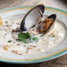 The Chart House Clam Chowder  (Copycat) Including Spice Blend