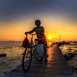 Back From Work by DrPyan Mohd Nor - People Professional People ( mark yusz, hayazi, genx cheq, karl lidz, zainy zinie, golden hour, sunset, sunrise )