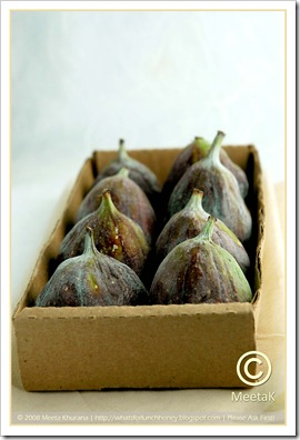 Figs in Cardboard Box (02) by MeetaK
