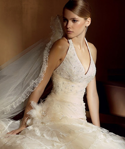 Bridal Fashion: V-Neck White Bridal Gown