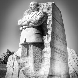 Martin Luther King Memorial by Neil Duffen - City,  Street & Park  Historic Districts