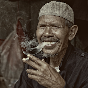 Smoking Man by Mario Wibowo - People Portraits of Men ( studio, petak 9, mario, 2013, mario wibowo, kelapa gading, jakarta, travel, wibowo, mwp, portrait )