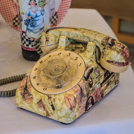 pretty phone by Vibeke Friis - Artistic Objects Technology Objects ( old fashion phone )