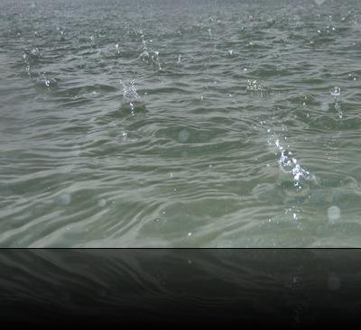 Chuva nas águas da Jamaica