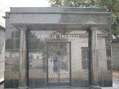 tumba trujillo 1