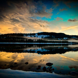 SHALLENBERGER  by Sam Okamoto - Landscapes Sunsets & Sunrises ( sierra nevada, donner lake, california, snow, lake, suset )