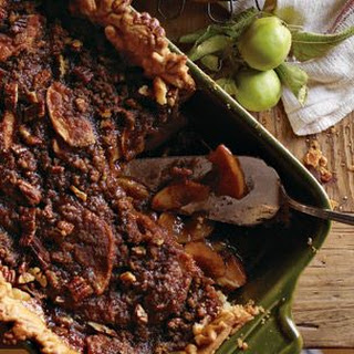 Deep-Dish Apple Bourbon Streusel Pie