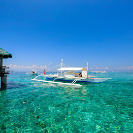 FLOATING BOAT STOP by Michael Rey - Landscapes Waterscapes ( mactan, cebu, scuba, fishing, beach, diving, philippines, swimming )