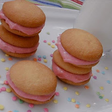 Strawberry & Cream Cheese Sandwich Cookies