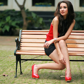 Lady with Red Shoes by Yamin Tedja - People Portraits of Women ( model, jakarta, photoshoot,  )