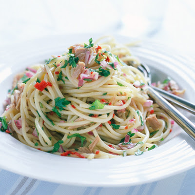 Spaghetti With Tuna, Capers And Chilli