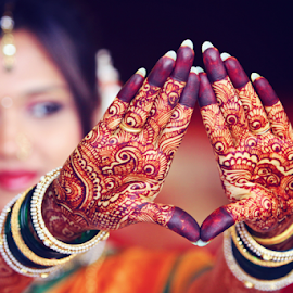 mehndi by Pravin Dabhade - Wedding Details ( canon, mehndi, details, wedding, candid, closup )