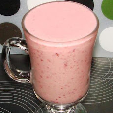 Raspberry Banana Yogurt Smoothie