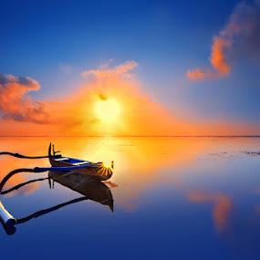 subrise at sanur beach by IkanHiu Pegel Pegel - Landscapes Sunsets & Sunrises