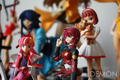Toys gathering…