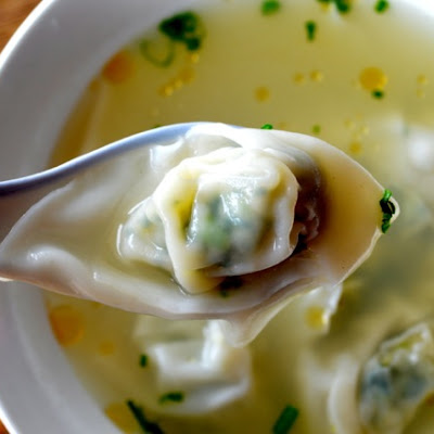SIMPLE WONTON SOUP