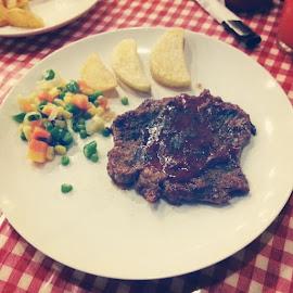 by Derry Pradika - Food & Drink Meats & Cheeses ( steak, Blackpepper, food )