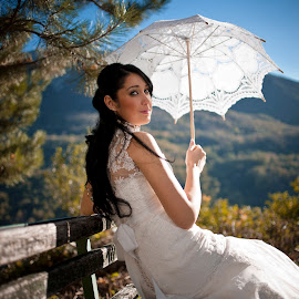 Bride on the wedding day by Vladimir Simovic - Wedding Bride