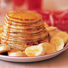 Scotch Pancakes With Banana & Maple Syrup