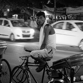 Hot Seat by Amit Kapoor - People Street & Candids ( , Urban, City, Lifestyle )