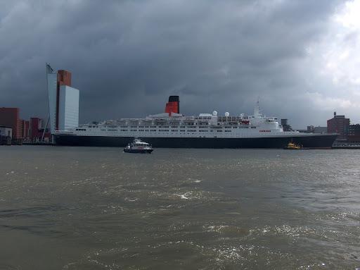 Cunard Queen Elizabeth II